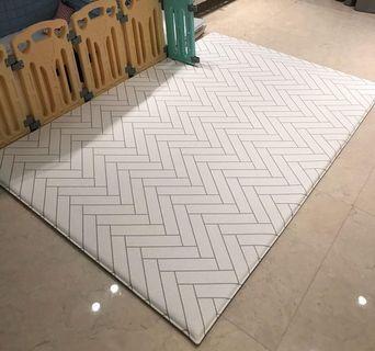 Cobyhouse mattress LIKE NEW