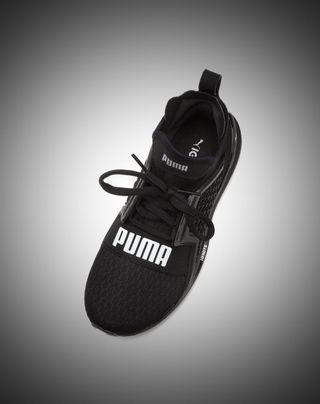 PUMA  戶外運動鞋 黑底白字百搭超亮眼