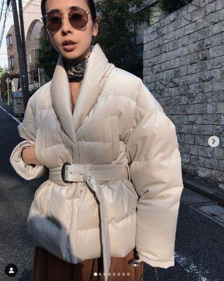 (🇯🇵日本代購)日幣¥32,560円【AMERI】代官山知名品牌夢幻逸品霧面光澤高級質感腰帶白羽絨衣外套