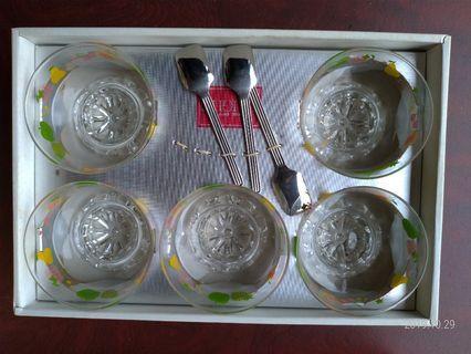 土城寶店 全新 玻璃 冰淇淋 玻璃碗 小碗 精緻 時尚 小湯匙 禮盒