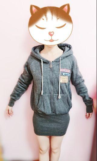 衣服 長版帽T 鐵灰色長版帽T 帽T 上衣 女生上衣 長袖 長版