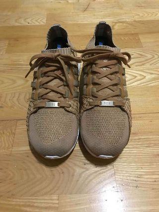 Adidas boost休閒慢跑鞋us10