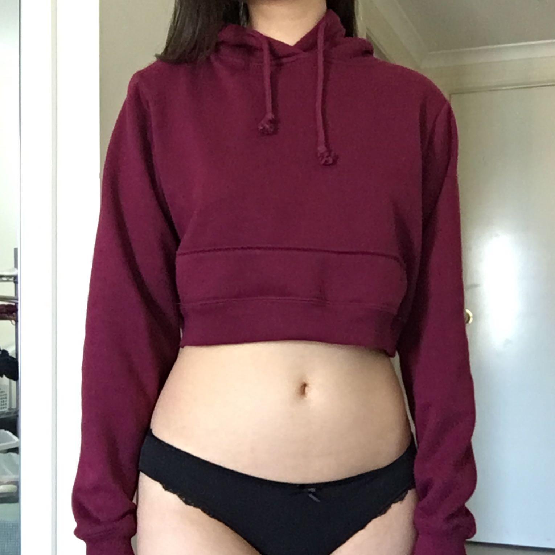 Factorie size XS / 8 maroon cropped long sleeve hoodie