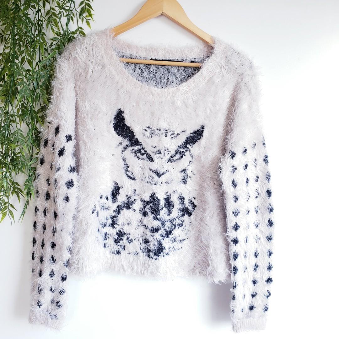Guess | Owl Printed Fuzzy Intarsia Knit Sweater Size M.