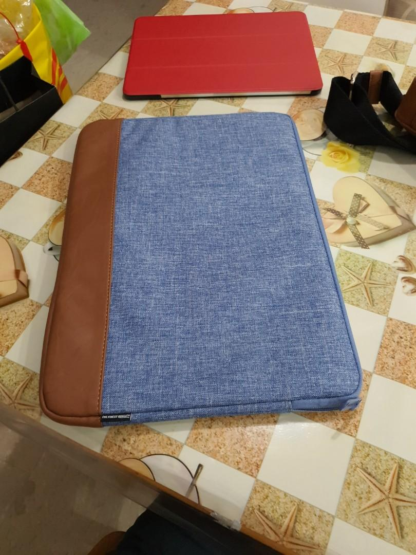 New Herschel 15 inch laptop  ma book Sleeve for sale