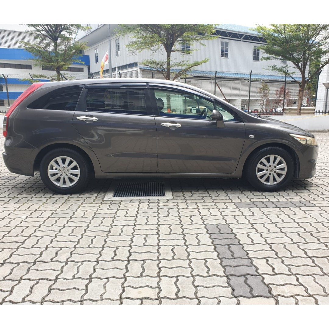 Honda Stream - Come on down! $500 driveaway!! Contact me at 90290978!