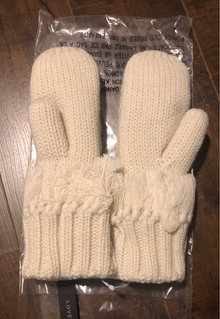 INDIGO LOVE AND LORE NORTHERN CABLE-KNIT MITTENS IVORY