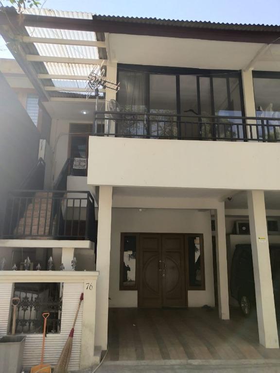 Rumah asri, nyaman & tenang, strategis di komplek P & K, Cirendeu