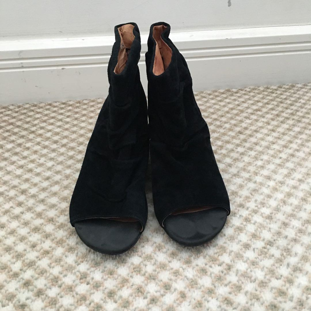 Shubar Bedazzled size 6 / 37 black faux suede open toe wedges