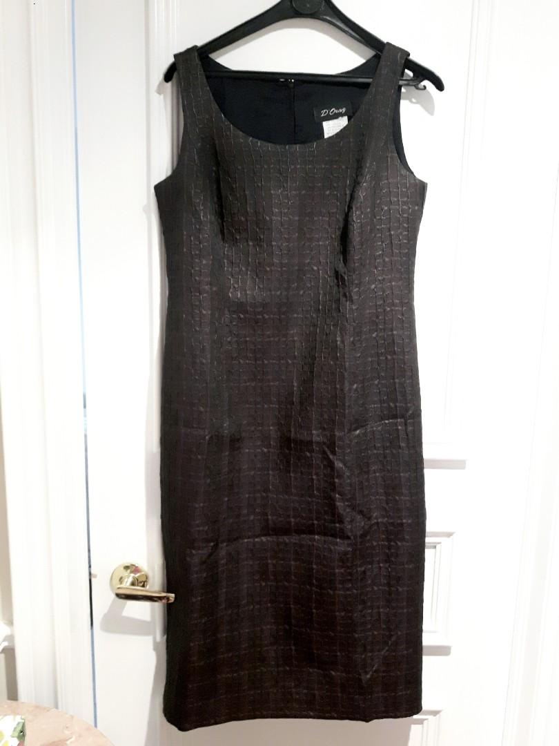 LOWERED:SIZE 10 OCCASION DRESS IN BLACK & BURGUNDY PRINT