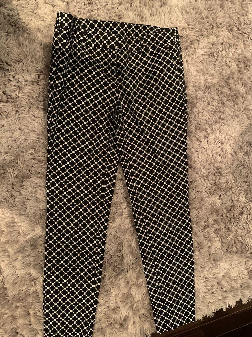 Size 4 Blk & Wt Patterned Dress pant. Only $5 if picked up!