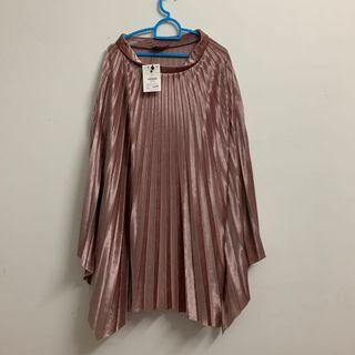 NEW WITH TAG! Bershka pleated skirt rose gold