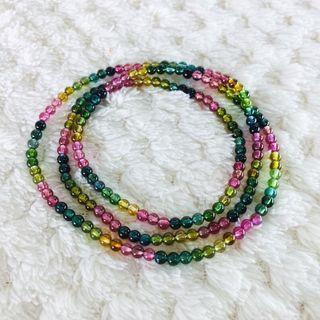 天然糖果碧璽手鏈 手珠 玻璃體 顏色鮮艷 散落人間的彩虹🌈 手鍊 手環 項鍊  尺寸:3.3mm 手珠:重量約 9.9g   手圍:約 18cm  x 3圈