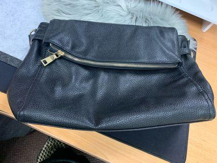 Leather handbag black