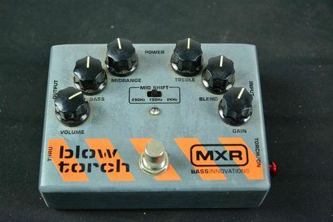 MXR M181 Bass Bliwtorch Distortion 失真 效果器