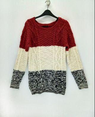 Ingni Knitted Sweater. Stretchable Material.