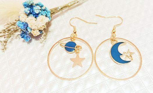 耳環 耳勾 藍色星空 月亮甜美清新少女垂墜耳勾耳環  甜美耳勾 女生耳環