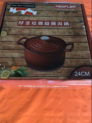 [全新]nEOFLAM 厚釜珐瑯鑄鐵湯鍋 24cm