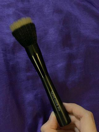 Body shop foundation brush