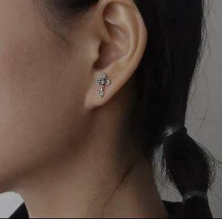 s925銀質復古花型十字架耳釘男女小耳環迷你耳釘