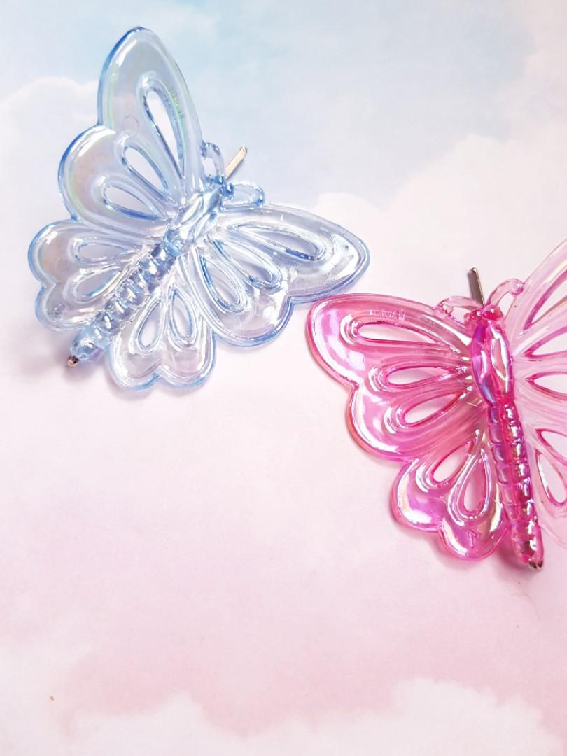 🆕️2 Large Pairs Pastel Coloured Butterfly Hair Clips