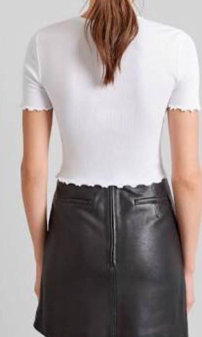 Brand new without tags - Kookai leather skirt size 34 (6)