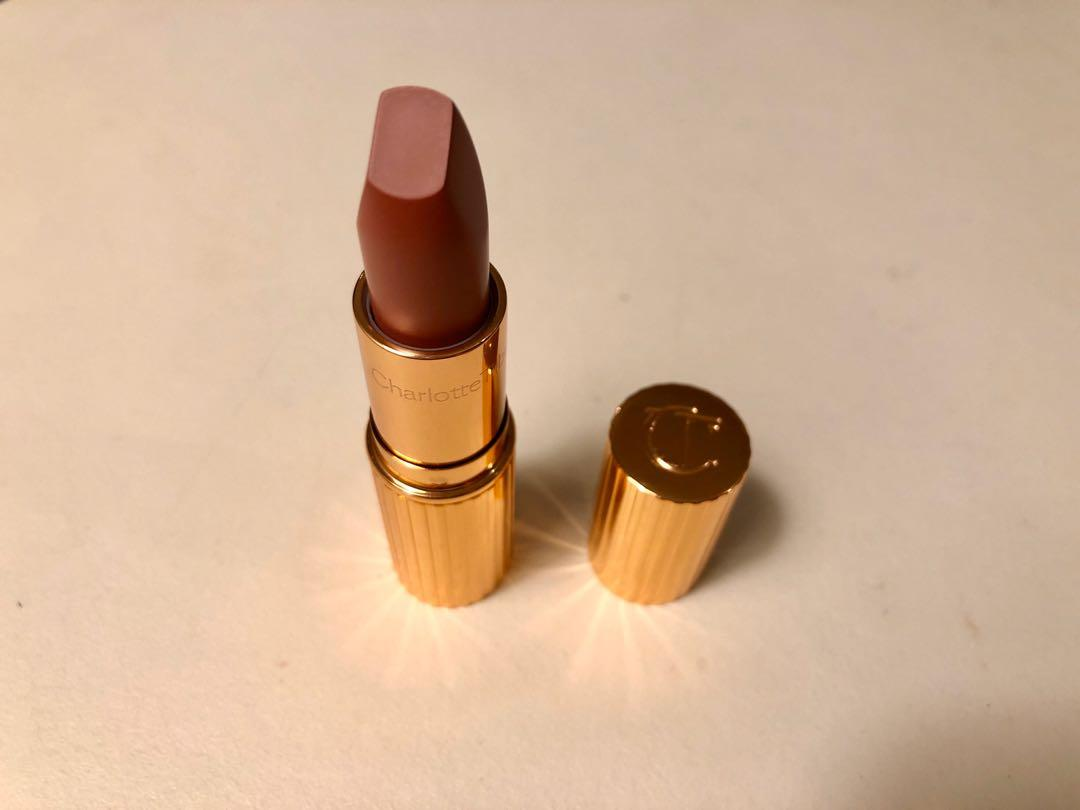 Charlotte Tilbury MATTE REVOLUTION PILLOW TALK  Iconic dreamy nude pink matte lipstick 唇膏