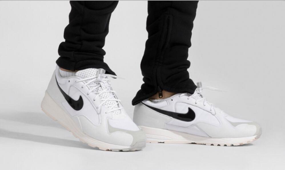 Preescolar Por lo tanto picnic  Fear of God x Nike Air Skylon 2 White (FOG), Men's Fashion, Footwear,  Sneakers on Carousell