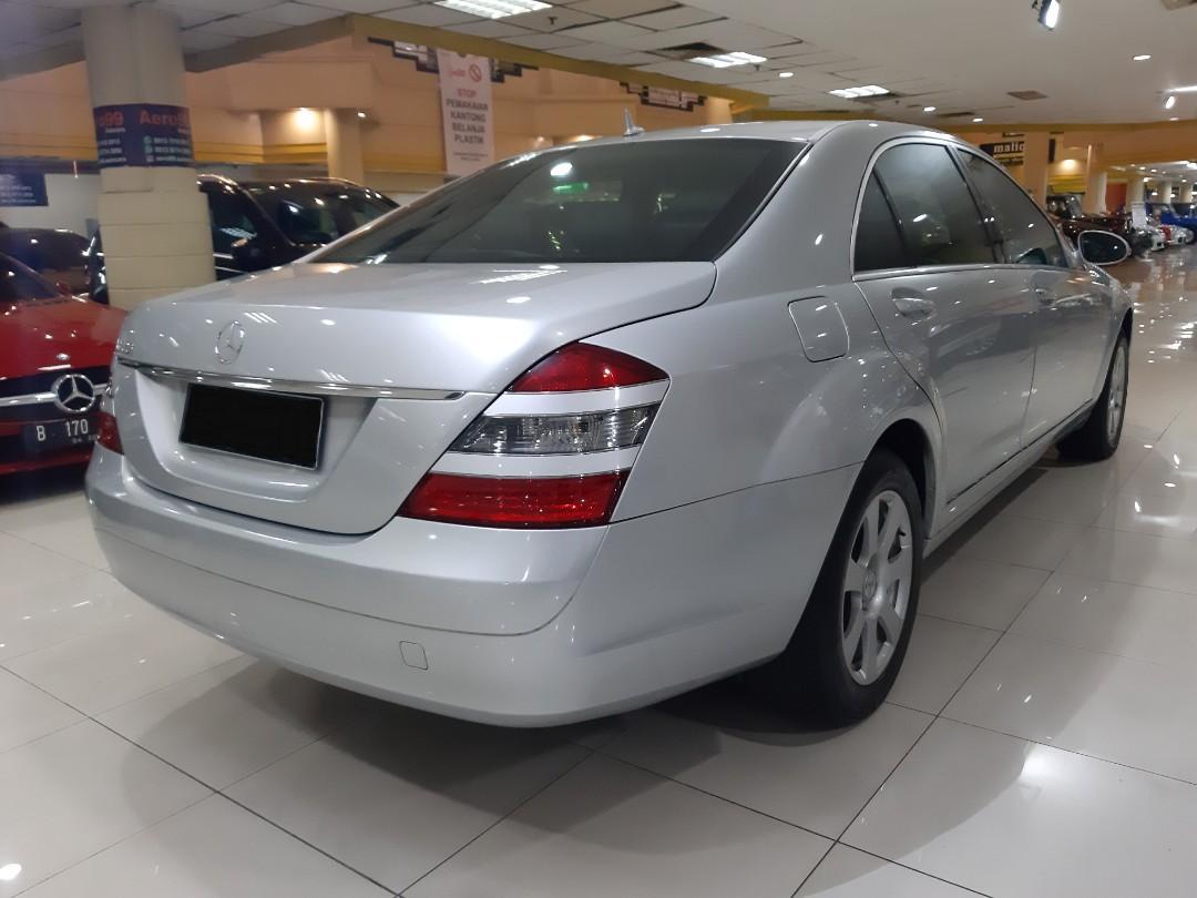for sale th.2007 Mercedes Benz Mercy S300 L Automatic.km 67.xxx.Nopol E-Cirebon.Kondisi PRIMA.MINES Pajak Mati 4th.jalan.DiJUAL Seada adanya.NEGO