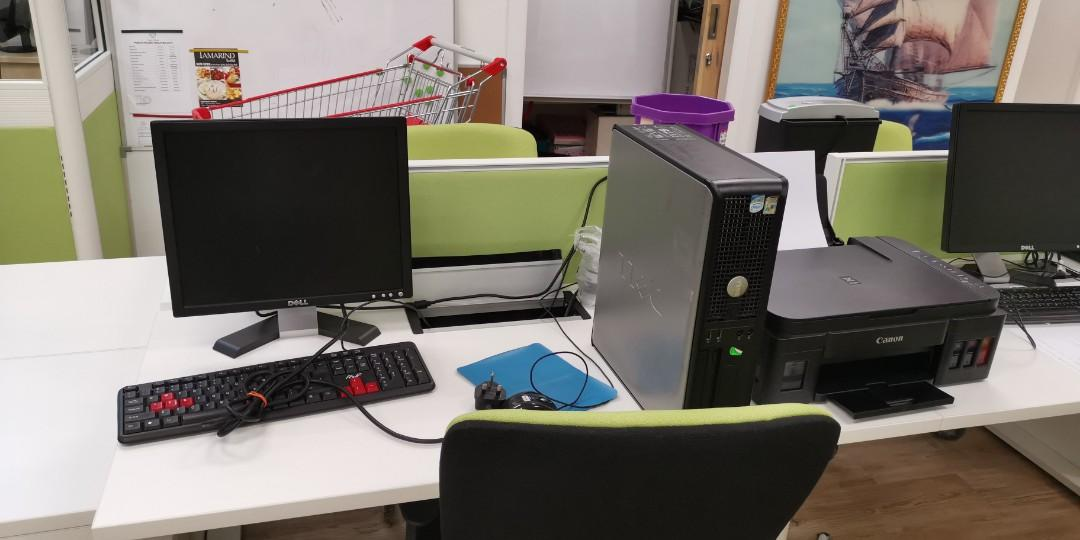 Old version desktop with window 7 x 2 unit available