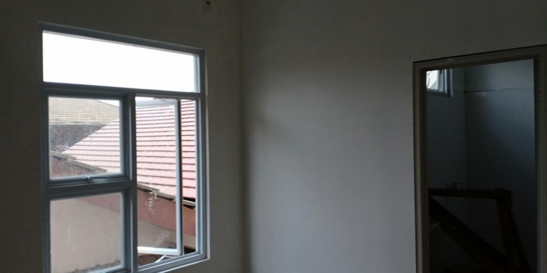 Rumah manis minimalis 2 lantai konsep mezanine lokasi strategis harga ekonomis