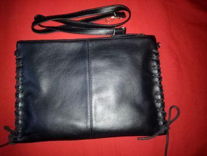 The Executive Original - black pouch shoulder bag