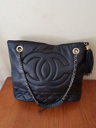 Chanel totebag leather