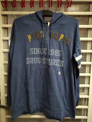 日本drug store's 帽T