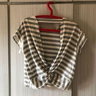 條紋上衣 背後鏤空 挖背上衣 灰色 T恤 扭結