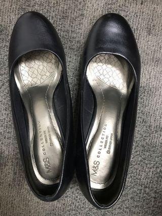 Marks & Spencer court shoes