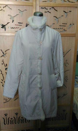 米色長版外套