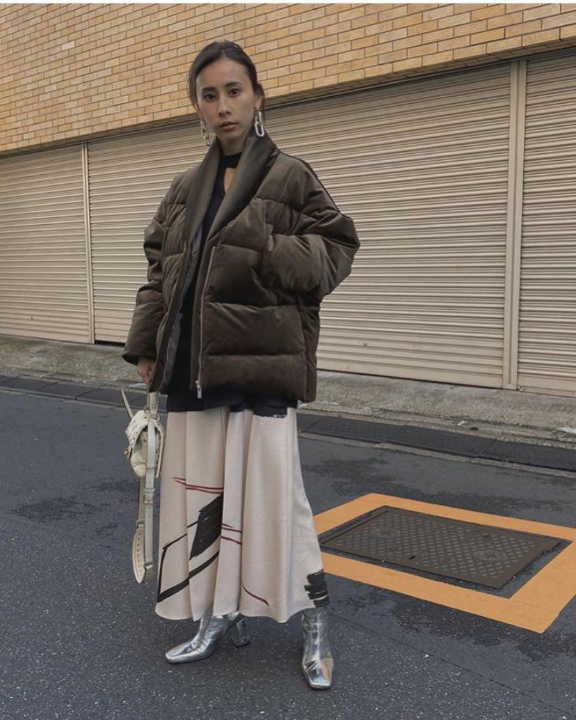 (🇯🇵日本代購)日幣¥32,560円【AMERI】代官山知名品牌夢幻逸品霧面光澤高級質感腰帶卡其羽絨衣外套