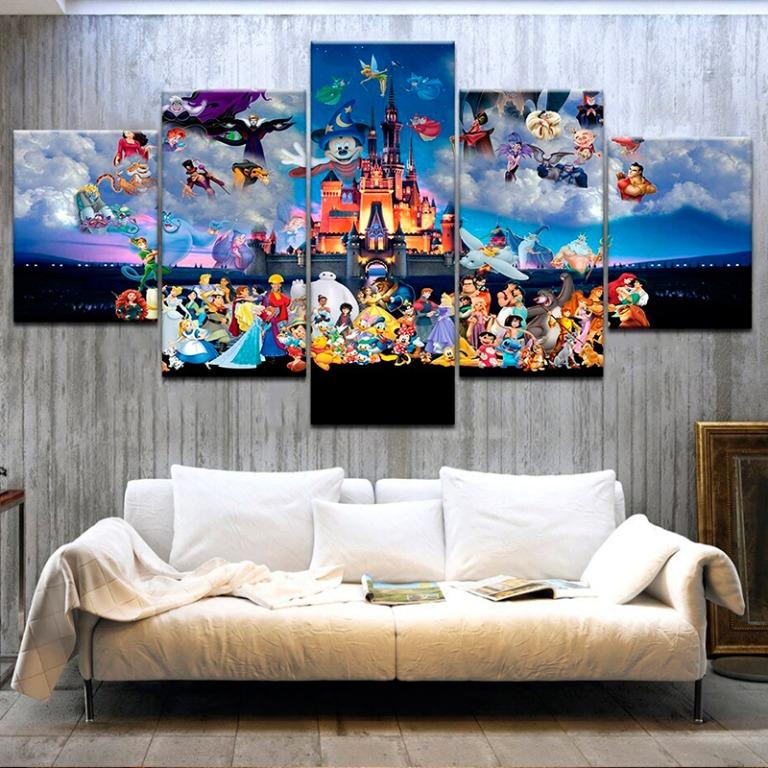 5 Panel Mickey Mouse in Castle Canvas Prints😊