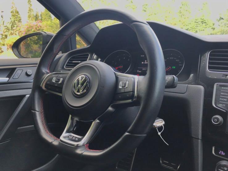 超級新古車 超級鋼炮 福斯 Golf GTI 過年大活動開跑 趕快趁著過年前買一台新車帶著你愛的人到處玩吧!