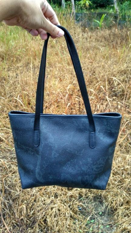 alviero martini geo black tote bag