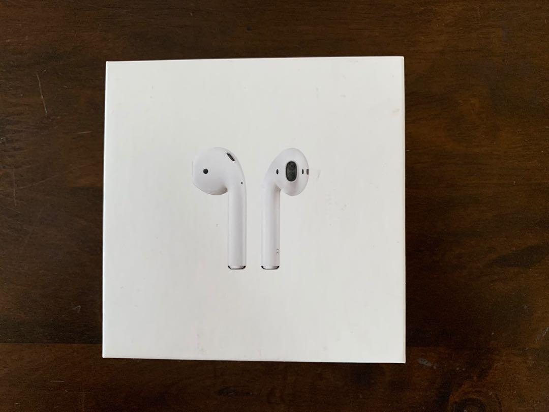 Apple Airpod 2 with wireless case