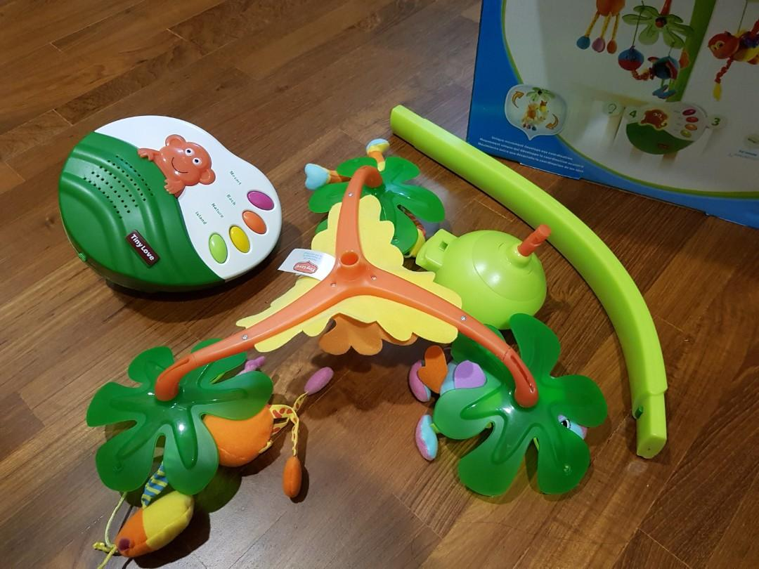 baby crib / bed mobile with music