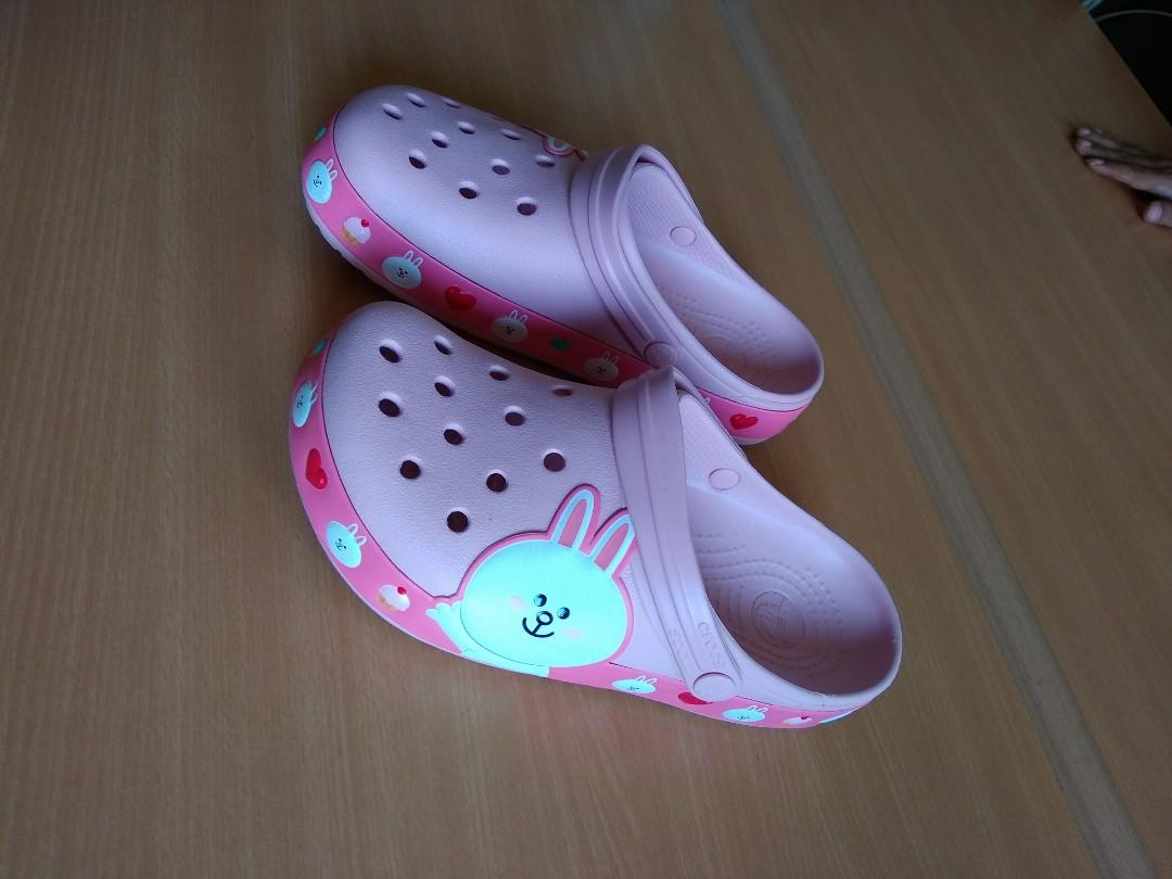 crocs coni line friend ori spore