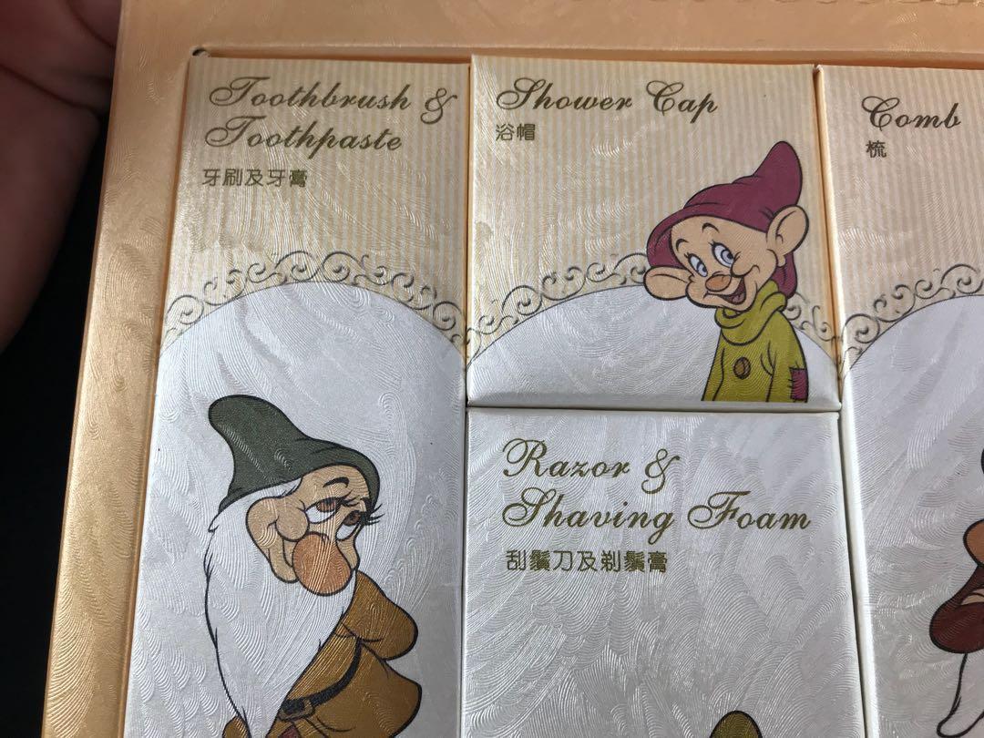 Hong Kong Disneyland hotel 香港迪士尼樂園酒店 生活用品包 旅行用品包 Snow White 白雪公主 七個小矮人