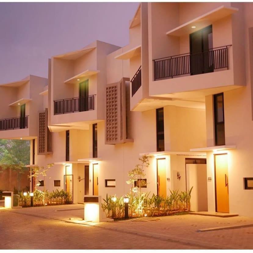 Rumah Town House Modern 3lantai di Bintaro Sektor 9 ,Bunga KPR hanya 1% . Cukup Bayar