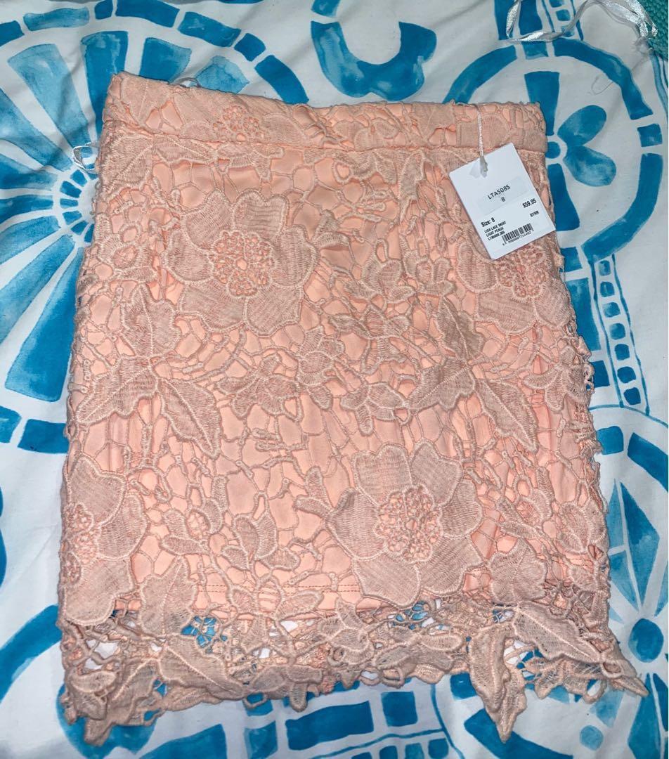 Size 8 matching lace set light peach/ light pink colour