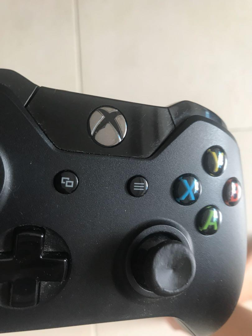 Xbox One 500gb with one controller