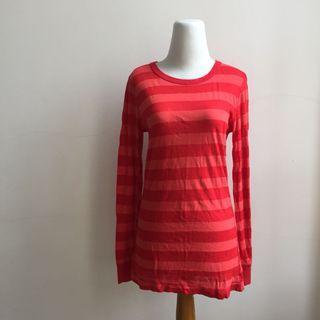 Kaos merah garis twentyone