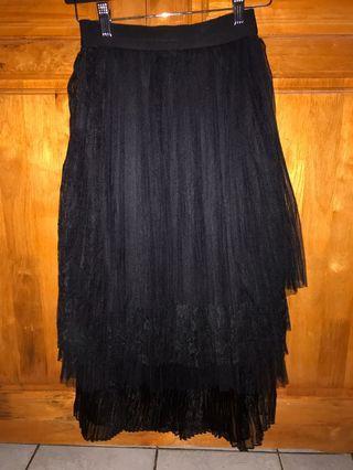 Rok hitam flare bahan renda dan tile gitu keren pinggang karet